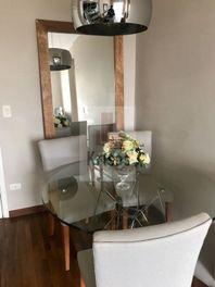 Apartamento em otima localização,Tôrre Única,Semi-Novo.