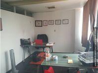 Bonita oficina frente al Metrobus Durango