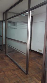 ESPACIOSAS Y RENOVADAS OFICINAS - STGO CENTRO