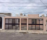 Casa en venta de 1 planta, 3 habitaciones en Col. Francisco de Montejo.