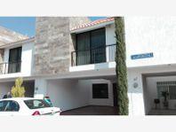Casa en Venta en Arboledas de Jacarandas