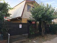 Vendemos casa en sector las lomas, frente a parque Quilque
