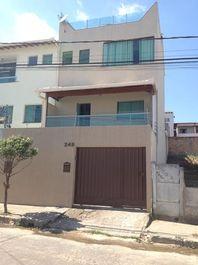 Casa com 4 quartos e 3 Salas, Minas Gerais, Contagem, por R$ 700.000
