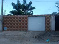 Casa com 3 dormitórios para alugar, 97 m² por R$ 909/mês - Centro - Aquiraz/CE