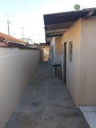 Casa 2 dormitórios, 80 m², R$ 170 mil, Mirim, Praia Grande/SP
