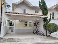 Charme de casa na Granja Viana