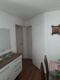 Apartamento com 2 dormitórios à venda, 54 m² por R$ 320.000 - Interlagos - São Paulo/SP