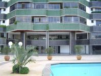Excelente apartamento de alto padrão, 4 quartos, sendo 4 suítes, 3 vagas, infraestrutura completa no Horto Florestal, Salvador.