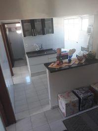 Apartamento com 3 dormitórios à venda, 47 m² por R$ 169.600 - Conjunto Residencial José Bonifácio - São Paulo/SP