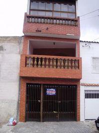 Sobrado 03 dormitórios e 01 vaga à venda na Cidade Líder, São Paulo.