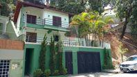 Linda Casa Com Três Andares