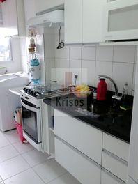 Apartamento semi novo, 2 dormitórios, 1 vaga no Taboão da Serra