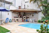 Casa com 4 quartos e Quintal na Rua Mendonça Furtado, Cotia, São Paulo II, por R$ 1.200.000