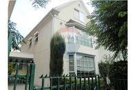 Casa 176m², Santiago, Lo Barnechea, por UF 12.500