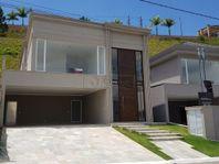 Casa com 3 quartos e Playground, Santana de Parnaíba, Tamboré, por R$ 1.500.000