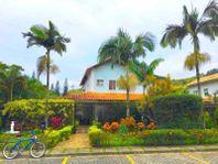 Maravilhosa casa à venda no condomínio Verde Vale - Vargem Grande