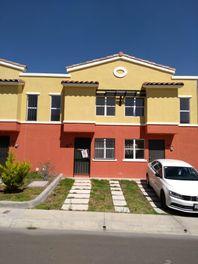Bonita casa en Renta Fracc. Real Solare
