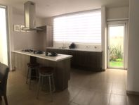 Venta casas residencial a 1 min de Prepa Zoebisch cerca Zona Plateada Pachuca