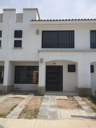 Rento casa residencial San Marino