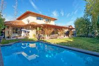 Buena Casa en Valle La Dehesa