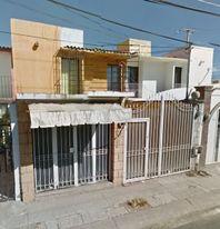CASA 120 M2, 3 RECÁMARAS,   1 1/2 BAÑOS,  GARAJE, PATIO DE SERVICIO.