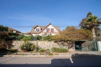 Maravillosa Casa en San Joaquín con Espectacular Vista al Mar