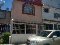 Venta de casa en condominio en las Americas.