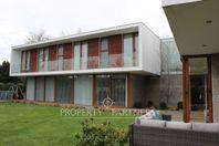 Moderna Casa Mediterránea en el Portal de la Frontera