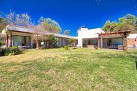 Chicureo Poniente,  Casa en San José