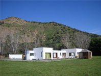 Casa mediterránea en condominio consolidado en San Vicente