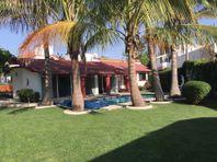Casa en Venta en Lomas de Cocoyoc, Morelos.