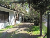 Amplia casa para local u oficina a pasos de la Rotonda Perez Zujovic