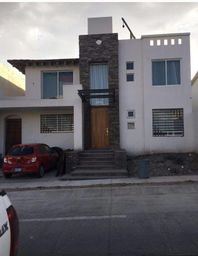 Se vende o renta casas en fraccionamiento Porta Fontana