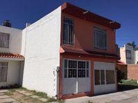 Casa en Villa Esmeralda