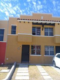 Cómoda y bonita casa en Renta Fracc. Real Solare