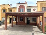 Casa en renta, Fracc. Hacienda las Flores entrada a Santa Fe