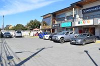 LOCAL COMERCIAL EN STRIP CENTER EN LOS HUERTOS FAMILIARES (Local 6)