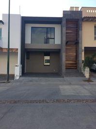 Casa en Lomas del Refugio