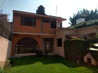 Casa sola en un nivel c/3 bungalows.