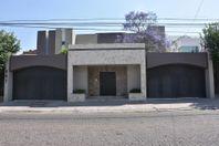 Preciosa Residencia en Villas del Mesón Juriquilla, de AUTOR y LUXURY, T.1000 m2