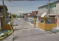 CASA  90 M2, 2 RECAMARAS, 1 BAÑO, GARAJE, PATIO.