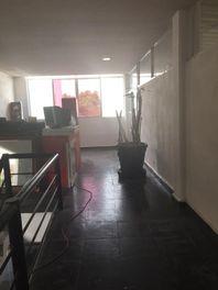 RENTA DE LOCAL COMERCIAL EN BOSQUES, QUERÉTARO UBICADO EN LA PLAZA MANUFACTURA