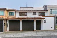 Casa en renta Hacienda de las Palmas Interlomas