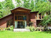 Espectacular Casa con acceso al río Liucura