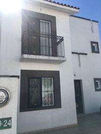 Excelente Casa en Venta en Villas de Bernalejo
