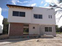 Preciosa Residencia en Balvanera con Roof Garden, 4 Recámaras, 4 Baños, PREMIUM!