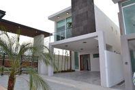 Amplia casa en venta en Juriquilla San Isidro