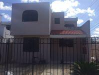 Casa en Brisas, ubicada en esquina.