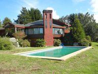 Hermosa Casa en Sector Residencial de Puerto Varas