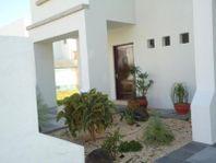 Casa en Renta en Fracc. Capillas de Mendoza